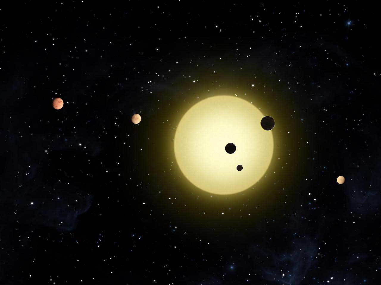 Artist rendition of planet going in front of its plaent star